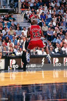 News Photo : Michael Jordan of the Chicago Bulls dunks against. Arte Michael Jordan, Michael Jordan Birthday, Michael Jordan Dunking, Michael Jordan Quotes, Kobe Bryant Michael Jordan, Michael Jordan Pictures, Michael Jordan Basketball, Jordan Photos, Tenis Basketball
