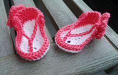 Eine gute Freundin bat mich um ein Geschenk für ein neugeborenes Baby, welches im heißen August zur Welt kommen sollte. Ich schlug ihr ein paar Babysandalen vor, die aussehen wie Flip Flops und sie...
