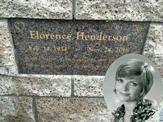 Florence Agnes Henderson (February 1934 – November an actress and singer with a career spanning six decades. She is best remembered for her starring role as matriarch Carol Brady on the ABC sitcom The Brady Bunch from 1969 to Cemetery Headstones, Old Cemeteries, Cemetery Art, Graveyards, Cemetery Statues, Florence Henderson, Grave Monuments, Gardens Of Stone, Famous Tombstones