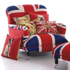 ❥ oversized Union Jack armchair w/ antiqued flags