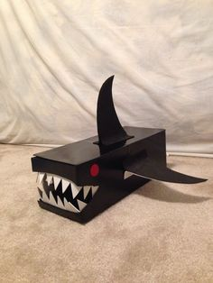 Shark Valentine's Day box. Made from a shoe box and foam sheets … – Best Shoes Ideas Valentine Boxes For School, Valentines For Boys, Homemade Valentines, Valentines Day Party, Valentine Day Crafts, Happy Hearts Day, Holidays With Kids, Happy Holidays, Shoe Box