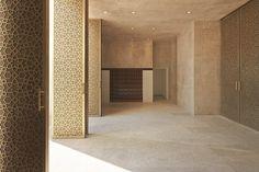 Juma Mosque John McAslan and Mosque Architecture, Sacred Architecture, Concept Architecture, Lobby Interior, Interior Design, Modern Entry, Arabic Design, Prayer Room, Building Exterior