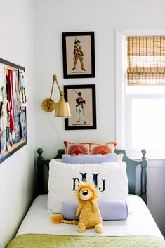 Another great kids room, fun mix of colors that work great for a boy or girl, kid room decor Chambre Nolan, Kids Living Rooms, Kids Room Design, Kid Spaces, Girls Bedroom, Baby Bedroom, Girl Room, Kids Room Bed, Bedroom Ideas