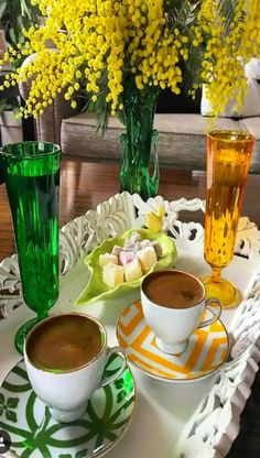 Just me & you for coffee & sweets. Coffee Vs Tea, Tea Latte, Coffee Cafe, Coffee Drinks, Good Morning Coffee, Coffee Break, Chocolates, Coffee Dessert, Tea Sandwiches