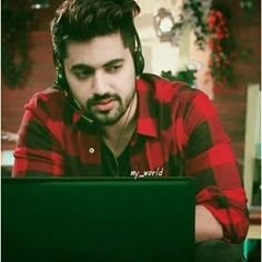 Aise na mujhe tum dekho. Handsome Indian Men, Handsome Boys, Tv Actors, Actors & Actresses, Imam Image, Zain Imam, Beautiful Girl Photo, Boys Dpz, Boy Models