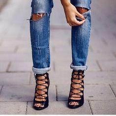 CHAUSSURES FEMME   talon haut, platform, bottes, bottines, sandales à lacets … 2d9bf42eba79