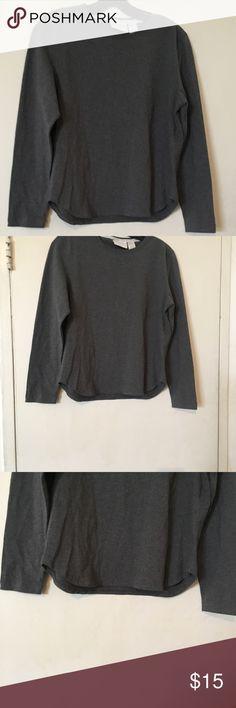 Liz Claiborne lizsport top size medium Liz Claiborne Lizsport top size medium in very good condition Liz Claiborne Sweaters