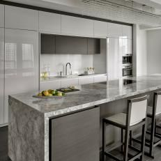 Looking for Modern Kitchen ideas? Browse Modern Kitchen images for decor, layout, furniture, and storage inspiration from HGTV. Kitchen Room Design, Home Decor Kitchen, Interior Design Kitchen, New Kitchen, Home Kitchens, Layout Design, Küchen Design, Modern Kitchen Island, Modern Grey Kitchen