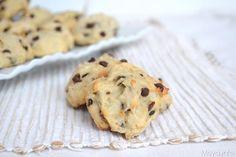 Biscotti banana e cioccolato, scopri la ricetta: http://www.misya.info/2015/11/16/biscotti-banana-e-cioccolato.htm