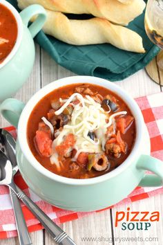 Slow Cooker Pizza Soup - Shugary Sweets