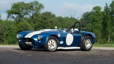The Real Deal - 1964 Shelby 289 Independent Competition Cobra - SCD Motors - The Sports, Racing and Vintage Car Market Cool Sports Cars, Classic Sports Cars, Classic Cars, Vintage Cars, Antique Cars, Car Man Cave, 427 Cobra, Collector Cars, Concept Cars