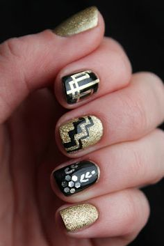Loving all these Gatsby-inspired nail looks these days.