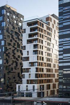 MAD building / MAD arkitekter Ya exagerando en dimensiones de edificios y q no tiene que ver con los edificios para estudiantes, quisimos agregar esta imagen al tabloide por que nos parece ingeniosa y muy bien diseñada la parte de la fachada