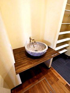 外出先から帰宅してすぐ手洗い Sankyo, Vanity, Bathroom, Interior, Design, Dressing Tables, Washroom, Powder Room, Indoor
