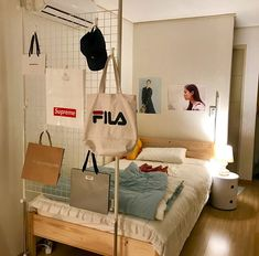 Dorm Room Essentials Create a Stylish Space for Lounging, Studying & Sleepin. - a - Dorm Room İdeas Cozy Bedroom, Bedroom Decor, Bedroom Ideas, Teen Bedroom, Master Bedroom, Bedrooms, Bedroom Ceiling, Bedroom Colors, Bedroom Furniture