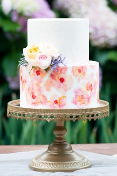 Watercolour wedding cake | Liesl Cheney Photography | See more: http://theweddingplaybook.com/watercolour-garden-wedding-inspiration/