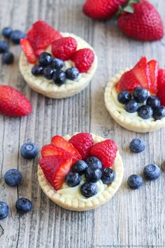 Browse easy family appetizer, dinner, and dessert recipes, DIY crafts and all things creative to help families create unforgettable moments. Mason Jar Pies, Mason Jar Desserts, Mason Jar Meals, Tart Recipes, Sweet Recipes, Baking Recipes, Dessert Recipes, Mini Fruit Tarts, Fresh Fruit Tart