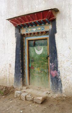 Lauren Tivey - Doorway Series Tingre, Tibet (her photos, visit her site). Cool Doors, Unique Doors, Porte Cochere, When One Door Closes, Knobs And Knockers, Hidden Places, Painted Doors, Closed Doors, Doorway