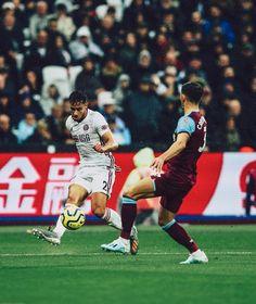 The Bladesmen continue to battle ✊ Sheffield United, Best Football Team, Battle, Basketball Court, The Unit, Running, Keep Running, Why I Run, Lob