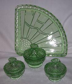 Vintage Green Glass, Antique Glassware, Pressed Glass, Vintage Dishes, Carnival Glass, Vanity Set, Vaseline, Kitchen Designs, Milk Glass
