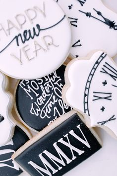 New Year's Eve Sugar Cookies | NYE 2015 | http://monikahibbs.com