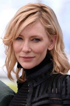 Bob Hairstyles 2019 To Inspire You To Go For The Chop Cate Blanchett am Cannes Film Festival 2015 Hot Hair Styles, Hair Styles 2016, Curly Hair Styles, Cate Blanchett, Cannes Film Festival, Peachy Hair Color, Copper Blonde Balayage, Smart Hairstyles, Celebrity Bobs
