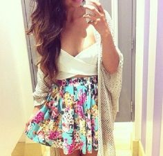 Find images and videos about love, fashion and style on We Heart It - the app to get lost in what you love. Girly Outfits, Skirt Outfits, Pretty Outfits, Summer Outfits, Cute Outfits, Floral Outfits, Vegas Outfits, Evening Outfits, Summer Skirts