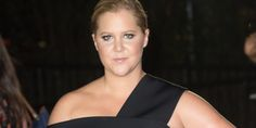 Amy Schumer Talked About Her Tampon On The Emmys Red Carpet