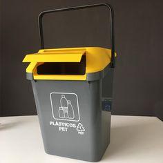 Contenedor Easymax de 45 litros de capacidad para separar los residuos de plástico. Canning, Home, Recycling Bins, Remainders, Pull Apart, Modern Design, Tin Cans, Organize, Ad Home