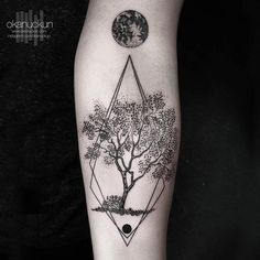 2017 trend Body - Tattoo's - #tattoofriday - Okan Uckun, tatuagens minimalistas e com formas geométricas. Bl...