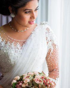@dily_shaa_xx  Mua @renuka_mua @photon_image_ #kandyanbride #kandyansaree #kandyanstyle #love #bride #srilankanwedding #traditions Tamil Brides, Lace Wedding, Wedding Dresses, Fashion, Bride Dresses, Moda, Bridal Gowns, Fashion Styles, Weeding Dresses