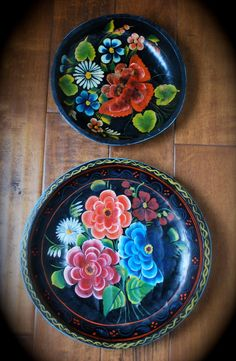 Set of Two Vintage Mexican Folk art Batea Bowls