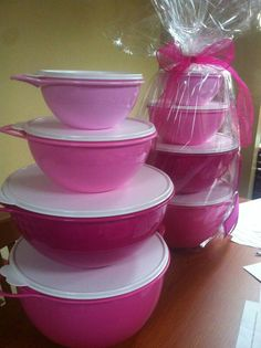 One week left #Pink #bowls #October #tupperware #Breast #Breastcancerawareness #FUNDRAISER CALL ME 216-256-0900 girlfiend sets on sale split with your #sister #mom #girlfriend more pink on my website!