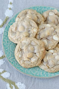 Such a delicious classic!!  White Chocolate Macadamia Nut Cookies - glorioustreats.com