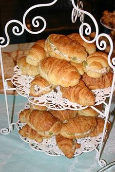 Tea With Friends: Tea Sandwich Saturday - My Favorite Chicken Salad Finger Sandwiches, Tea Sandwiches, Waldorf Chicken Salad, Waldorf Salad, Vegan Teas, Good Food, Yummy Food, High Tea, Afternoon Tea
