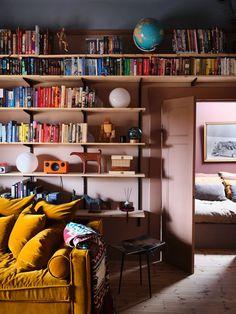 A Small Dusty Pink Dream Apartment in Sweden - The Nordroom Attic Apartment, Dream Apartment, Apartment Design, Apartment Bookshelves, Studio Apartment, Bookcases, Scandinavian Loft, Scandinavian Apartment, Design Youtube