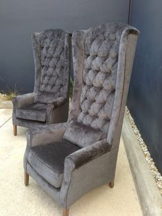 Gentlemans High Back Feature Wing Chair or Dining Carver Living Room Chairs, Interior Design Living Room, Living Room Designs, Living Room Decor, Royal Furniture, Home Decor Furniture, Furniture Design, Sofa Design, High Back Dining Chairs