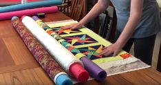Love making quilts but often find you are short on space to properly lay out all the pieces? Try this shortcut for rolling out fabric to make a quilt sandwich in a small space. Use dollar store pool noodles to keep everything in place for simplifying your pinning. The fabric rolls around the pool no Quilting For Beginners, Quilting Tips, Free Motion Quilting, Quilting Tutorials, Hand Quilting, Machine Quilting, Quilting Projects, Quilting Designs, Sewing Projects