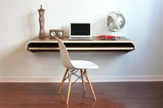 Dario Antonioni of Design Lab conceived of the Float Wall Desk as a perfect space-saving work area for the modern home office. It's simple design lends itself to any wall space and even with no legs the desk still manages to accommodate a slide out tray. Mesa Home Office, Home Office Desks, Bureau Design, Contemporary Desk, Modern Desk, Modern Wall, Floating Wall Desk, Floating Table, Espace Design