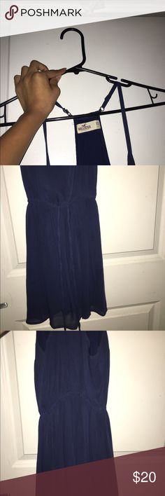 Navy blue Hollister dress 😍 I fell in love with this dress but I never got to wear it because it wouldn't fit and it's been sitting in my closet 😭 Hollister Dresses High Low