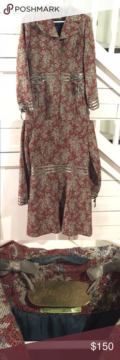 Beautiful coat, only worn a handful of times. Free People Tapestry Coat size Medium. Free People Jackets & Coats Pea Coats