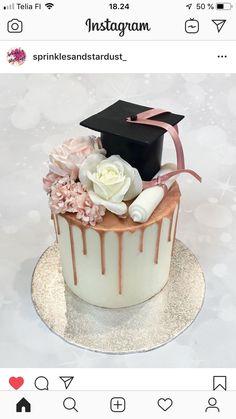 Graduation Cake Designs, Graduation Party Desserts, Grad Party Decorations, Graduation Party Planning, Graduation Cookies, Graduation Diy, Nursing Graduation, Cute Birthday Cakes, Gateaux Cake