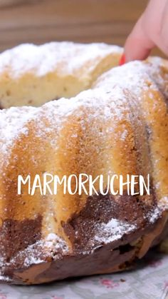 Marble cake - a timeless classic - Marmorkuchen Rezepte - Quick Dessert Recipes, Easy Cookie Recipes, Marble Cake, Mets, Food Cakes, Timeless Classic, Lemon Lush, Strawberry Shortcake, Pound Cake