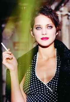 Marion Cotillard - If I wake up during a dream I can usually go back to sleep and finish the story.
