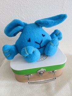 Cutie Bunny Created with a lot of love Cutie Bunny is ideal also for very small children. It's made of fleece and acrylic yarn. Dinosaur Stuffed Animal, Bunny, Dolls, Children, Animals, Baby Dolls, Young Children, Boys, Animales