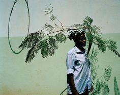 Flamboya – Um retrato da juventude africana por Viviane Sassen – BLCKDMNDS