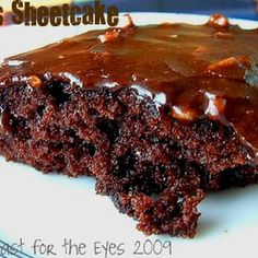 "Texas Sheetcake aka: ""Pioneer Woman's"" Best Ever Chocolate Sheet Cake Recipe 