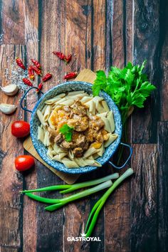 Portóis borjúragu, teljes kiörlésű penne #food #fooddelivery #gastroyal #ragout #penne