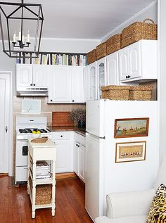 120 best small apartment kitchen images in 2019 little kitchen tiny house home decor on kitchen organization small apartment id=43895