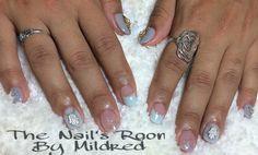 Cute, super short, oval nails @ The Nail's Room by Mildred #thenailsroom #swarovskinails #sparkly #notpolish #uñas #uñasacrilicas #nails #nailart #acrylic #acrylicnails #nailsofinstagram #ovalnails #shortnails #greynails #youngnailsacrylic #youngnailsinc